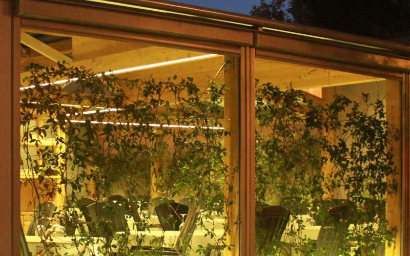 terraza bioclimática del restaurante La Ancha